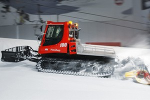 thumb--_0002_pistenbully-100-indoor